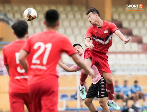 Trọng Đại đánh lẻ, tình tứ bên bạn gái xinh đẹp sau trận giao hữu với Hà Nội FC - Ảnh 9.