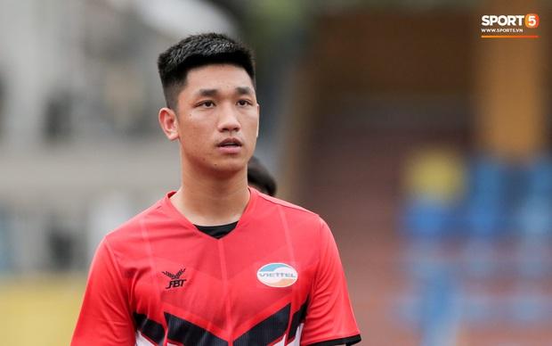 Trọng Đại đánh lẻ, tình tứ bên bạn gái xinh đẹp sau trận giao hữu với Hà Nội FC - Ảnh 6.