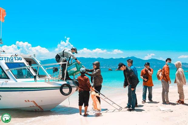 Vừa phát hiện một hòn đảo cực hoang sơ ở Việt Nam: Chưa cần chỉnh màu đã sở hữu làn nước xanh trong vắt, trông chẳng khác nào Maldives!  - Ảnh 11.