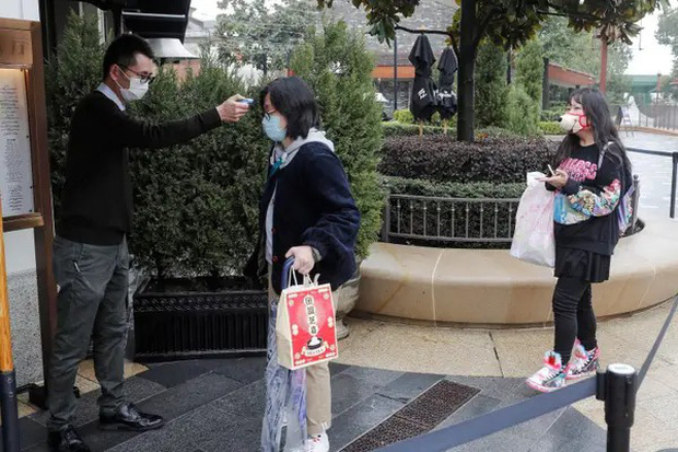 """Disneyland Trung Quốc vừa mở cửa trở lại đã khiến du khách ngạc nhiên bởi những điều này: """"Kỷ nguyên mới"""" của công viên giải trí là đây! - Ảnh 5."""
