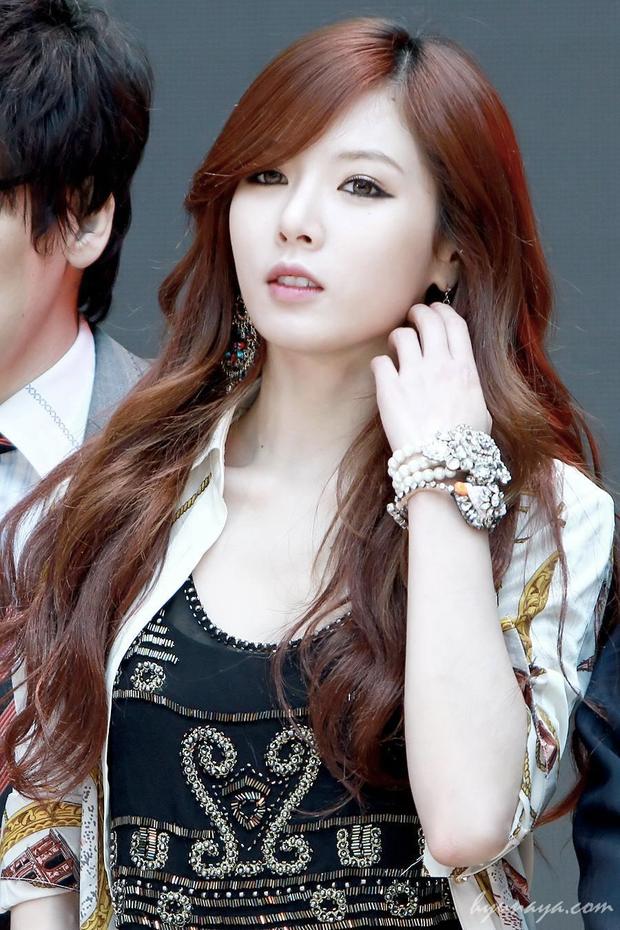 10 màn lột xác đỉnh nhất Kpop của idol nữ: 2 thần tượng bị chê xấu nhất Kpop đổi đời, Suzy - IU thành siêu sao hậu giảm cân - Ảnh 27.