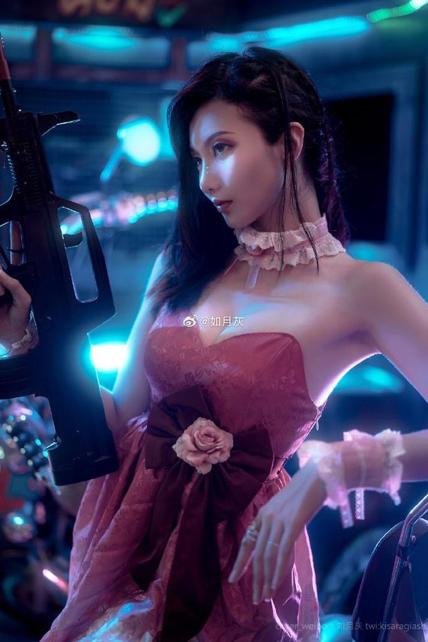 PUBG Mobile: Chiêm ngưỡng bộ ảnh cosplay cô nàng Chuyên gia xe cộ Sara đẹp lung linh với váy hồng điệu đà - Ảnh 5.