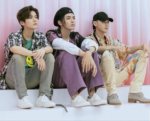 Hoàng Tử Thao tuyên bố thiết lập boygroup mới cùng Kris và Luhan, fan tiếc nuối vì màn biểu diễn thế kỷ của cả 3 không thành hiện thực - Ảnh 1.