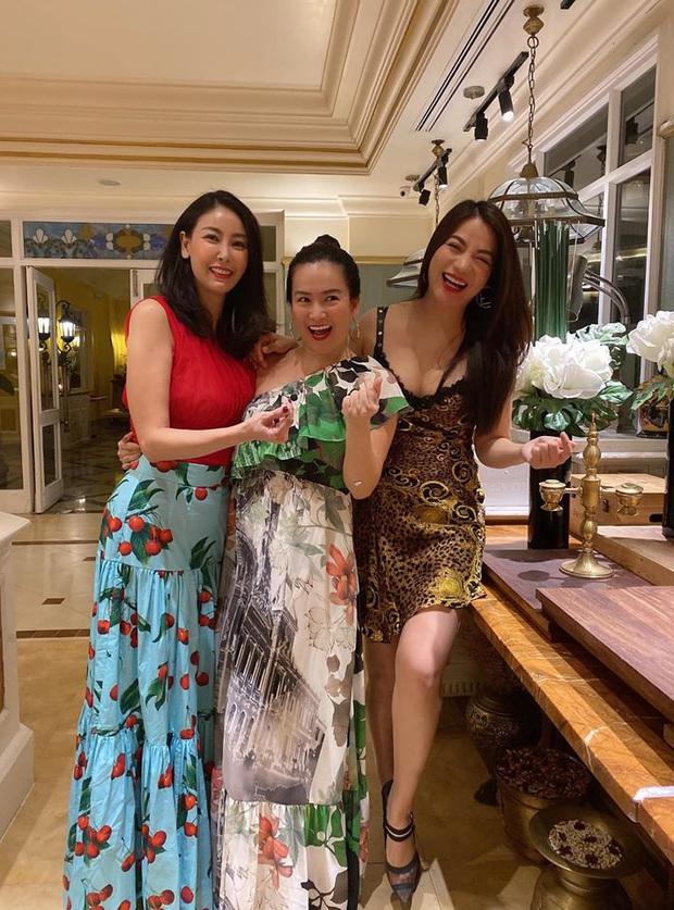 Hội bạn thân Trương Ngọc Ánh, bà xã Bình Minh tụ họp trong sinh nhật Hà Kiều Anh: Quyến rũ, đọ sắc khi chung khung hình - Ảnh 3.
