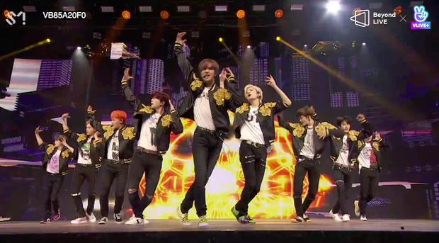 NCT 127 đu giàn giáo, múa cột, biểu diễn luôn ca khúc chưa phát hành tại concert online; áp dụng hình thức fancam cá nhân trực tiếp quá xịn xò! - Ảnh 11.