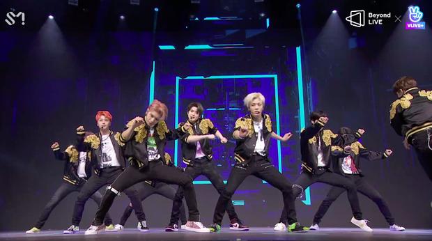 NCT 127 đu giàn giáo, múa cột, biểu diễn luôn ca khúc chưa phát hành tại concert online; áp dụng hình thức fancam cá nhân trực tiếp quá xịn xò! - Ảnh 10.