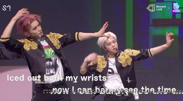 NCT 127 đu giàn giáo, múa cột, biểu diễn luôn ca khúc chưa phát hành tại concert online; áp dụng hình thức fancam cá nhân trực tiếp quá xịn xò! - Ảnh 16.