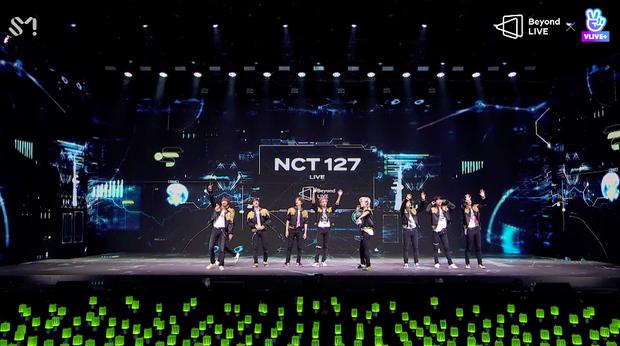 NCT 127 đu giàn giáo, múa cột, biểu diễn luôn ca khúc chưa phát hành tại concert online; áp dụng hình thức fancam cá nhân trực tiếp quá xịn xò! - Ảnh 1.