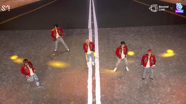 NCT 127 đu giàn giáo, múa cột, biểu diễn luôn ca khúc chưa phát hành tại concert online; áp dụng hình thức fancam cá nhân trực tiếp quá xịn xò! - Ảnh 78.