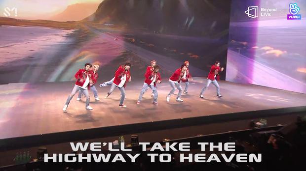 NCT 127 đu giàn giáo, múa cột, biểu diễn luôn ca khúc chưa phát hành tại concert online; áp dụng hình thức fancam cá nhân trực tiếp quá xịn xò! - Ảnh 77.