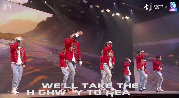 NCT 127 đu giàn giáo, múa cột, biểu diễn luôn ca khúc chưa phát hành tại concert online; áp dụng hình thức fancam cá nhân trực tiếp quá xịn xò! - Ảnh 75.