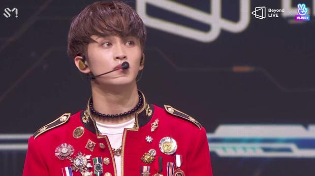 NCT 127 đu giàn giáo, múa cột, biểu diễn luôn ca khúc chưa phát hành tại concert online; áp dụng hình thức fancam cá nhân trực tiếp quá xịn xò! - Ảnh 83.