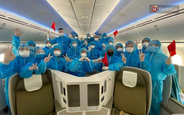 Chùm ảnh: Hai chuyến bay Vietnam Airlines đưa công dân Việt tại Hoa Kỳ và châu Âu hồi hương - Ảnh 12.