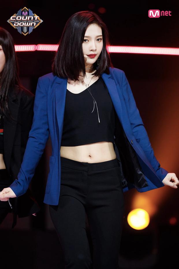 Top 30 nữ idol hot nhất hiện nay: TWICE không lọt nổi vào top 10, hạng 1 gây choáng vì vượt mặt cả Jennie và Irene - Ảnh 8.