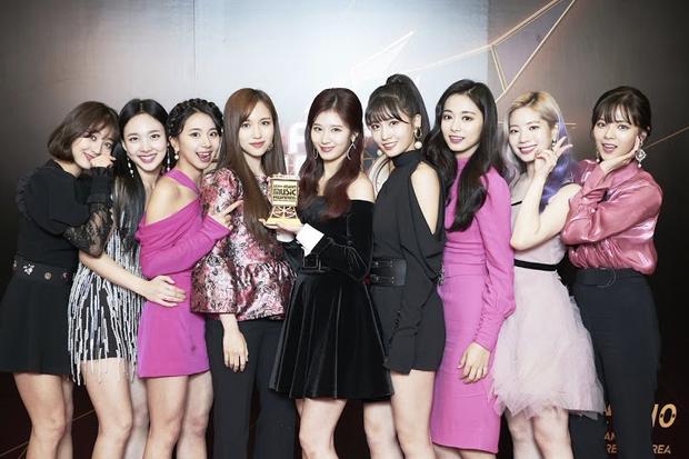 Top 30 nữ idol hot nhất hiện nay: TWICE không lọt nổi vào top 10, hạng 1 gây choáng vì vượt mặt cả Jennie và Irene - Ảnh 11.