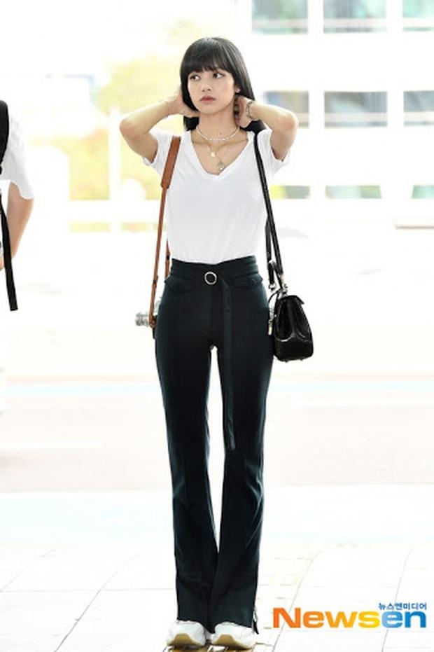 Áo phông đen - trắng đơn giản là vậy nhưng Black Pink diện lên vẫn cực xịn, tất cả là nhờ 4 công thức - Ảnh 13.