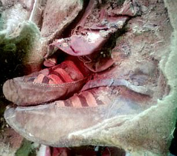 Xác ướp 1100 tuổi đi giày trông y hệt sneaker của Adidas khiến giới khoa học phải ngỡ ngàng vì độ sành điệu - Ảnh 2.