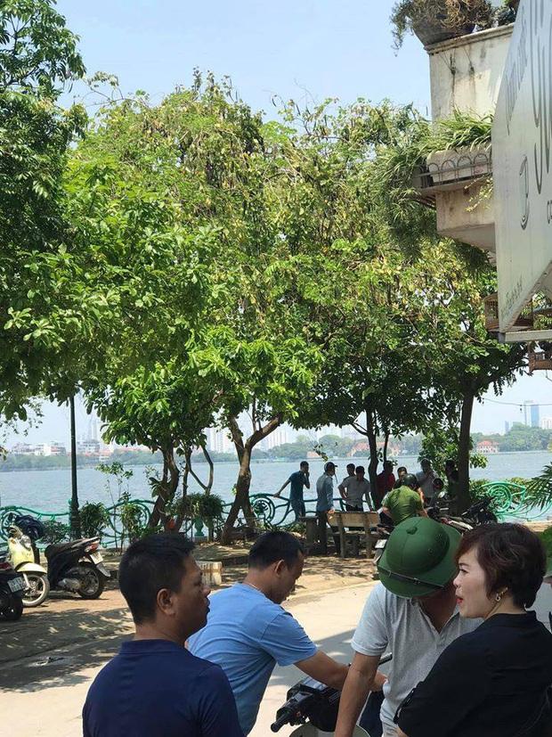 Hà Nội: Phát hiện thi thể người đàn ông nổi lập lờ trên hồ Tây - Ảnh 1.