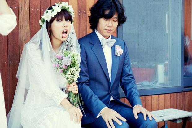 Lee Hyori vừa gia nhập mái nhà con của SM, ông xã Lee Sang Soon đã có động thái bất ngờ đến mức MXH xôn xao - Ảnh 3.
