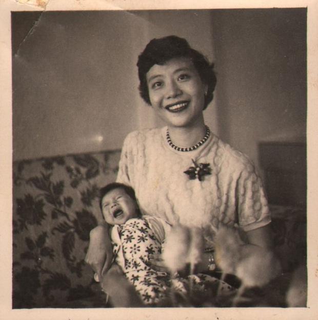 Nữ ca sĩ nổi tiếng qua đời, cháu trai tìm lại hình ảnh cũ được giữ kín hơn 70 năm liền choáng ngợp trước vẻ đẹp kinh diễm của bà thời trẻ - Ảnh 8.