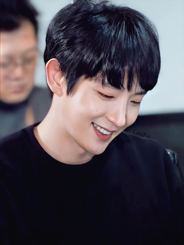 Lee Jun Ki đẹp rạng ngời tại buổi đọc kịch bản Flower of Evil, thời gian bỏ quên Tứ ca rồi hay sao? - Ảnh 2.