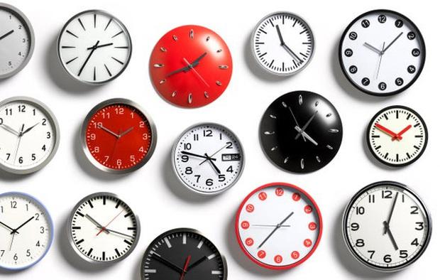 Tại sao một giờ có 60 phút, 1 phút có 60 giây mà một ngày lại dài 24 tiếng? - Ảnh 1.