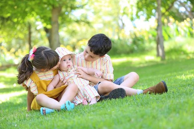 Không chỉ ở Việt Nam, trên thế giới đã có người đàn ông sinh con tới tận 3 lần, cận cảnh quá trình sinh nở gây xúc động - Ảnh 12.