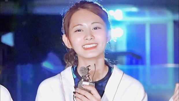 Nhan sắc ít phấn son của Tzuyu (Twice) gây tranh cãi: Lúc bị chê thậm tệ, lúc lại đẹp như thiên thần - Ảnh 12.