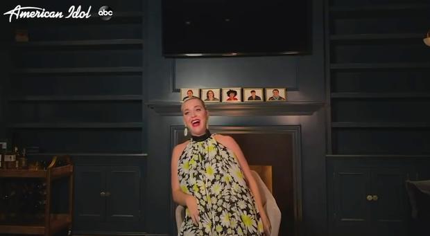Cô ca sĩ dưới tàu điện ngầm chiến thắng American Idol 18 trong một lễ trao giải trực tiếp tại gia - Ảnh 7.