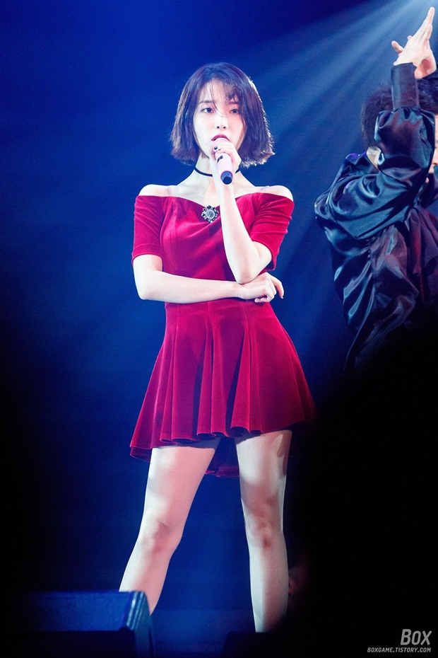 IU đe dọa ngôi vị bờ vai đẹp nhất Kpop của Jennie, bất ngờ nhỉnh hơn hẳn một mẩu BLACKPINK ở điểm này - Ảnh 19.