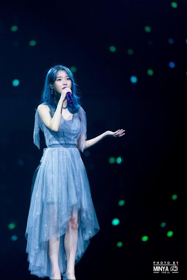 IU đe dọa ngôi vị bờ vai đẹp nhất Kpop của Jennie, bất ngờ nhỉnh hơn hẳn một mẩu BLACKPINK ở điểm này - Ảnh 7.