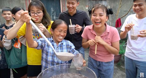 Dù tự nhận thất bại khi làm trà sữa trân châu phiên bản 50 lít, Bà Tân Vlog vẫn được dân mạng bái phục vì một điểm rất xuất sắc - Ảnh 9.