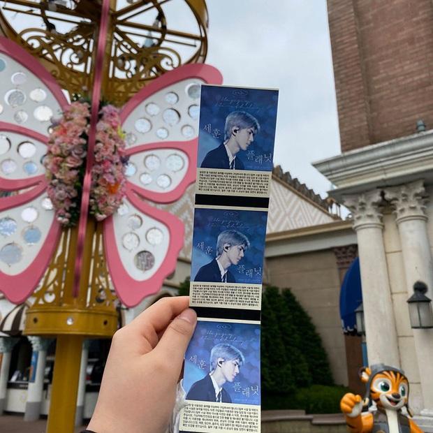 """Chưa bao giờ hết sốc với độ """"chịu chơi""""của fan Kpop: bao trọn công viên giải trí lớn thứ 7 thế giới, thiết kế trò chơi chủ đề mừng sinh nhật idol - Ảnh 2."""
