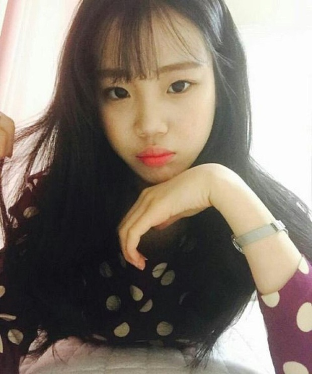 Thoát mác xấu nhất lịch sử Kpop sau màn lột xác xinh xắn, JooE lại gây sốc vì ảnh thẻ ảo đến mức fan... từ chối nhận idol - Ảnh 3.