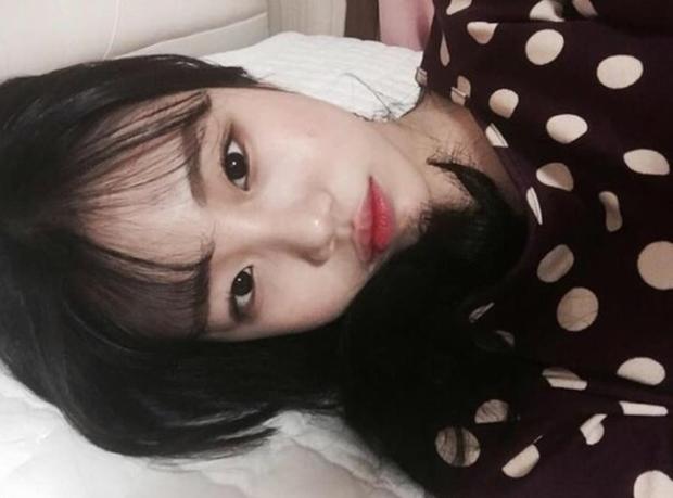 Thoát mác xấu nhất lịch sử Kpop sau màn lột xác xinh xắn, JooE lại gây sốc vì ảnh thẻ ảo đến mức fan... từ chối nhận idol - Ảnh 4.