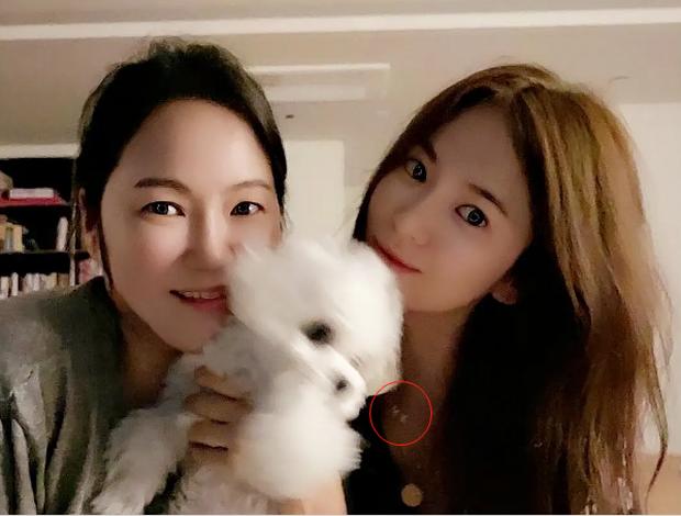 Rầm rộ bằng chứng Song Hye Kyo - Hyun Bin tái hợp: Công khai đeo 1 thứ đặc biệt ám chỉ, còn chụp ảnh rạng rỡ đăng MXH - Ảnh 3.