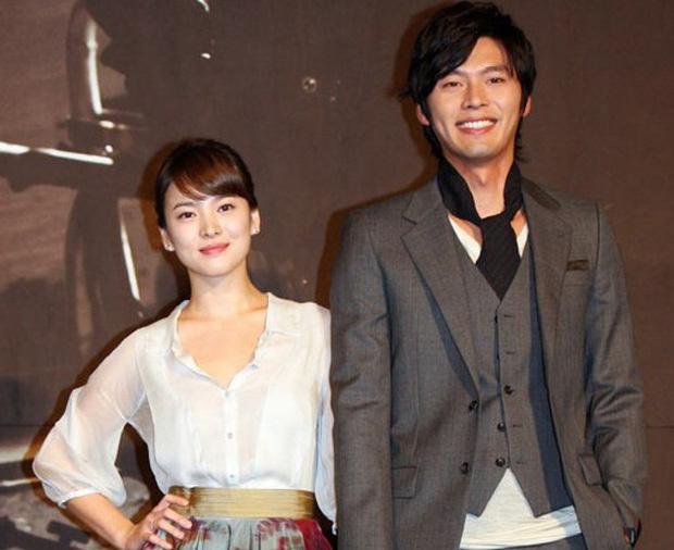 Rầm rộ bằng chứng Song Hye Kyo - Hyun Bin tái hợp: Công khai đeo 1 thứ đặc biệt ám chỉ, còn chụp ảnh rạng rỡ đăng MXH - Ảnh 4.