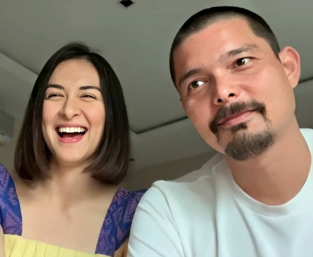 11 năm chung sống và đã có 2 con nhưng vợ chồng mỹ nhân đẹp nhất Philippines vẫn dành cho nhau những hành động tình tứ khiến người hâm mộ phát hờn - Ảnh 2.