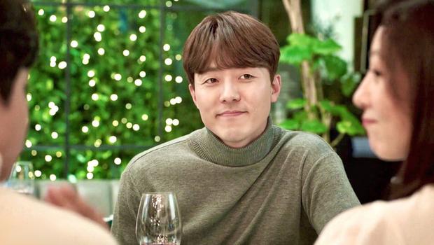 Bác sĩ soái ca phát biểu về cái kết Thế Giới Hôn Nhân: Nếu là Yoon Ki, tôi đã tỏ tình với Sun Woo rồi! - Ảnh 4.