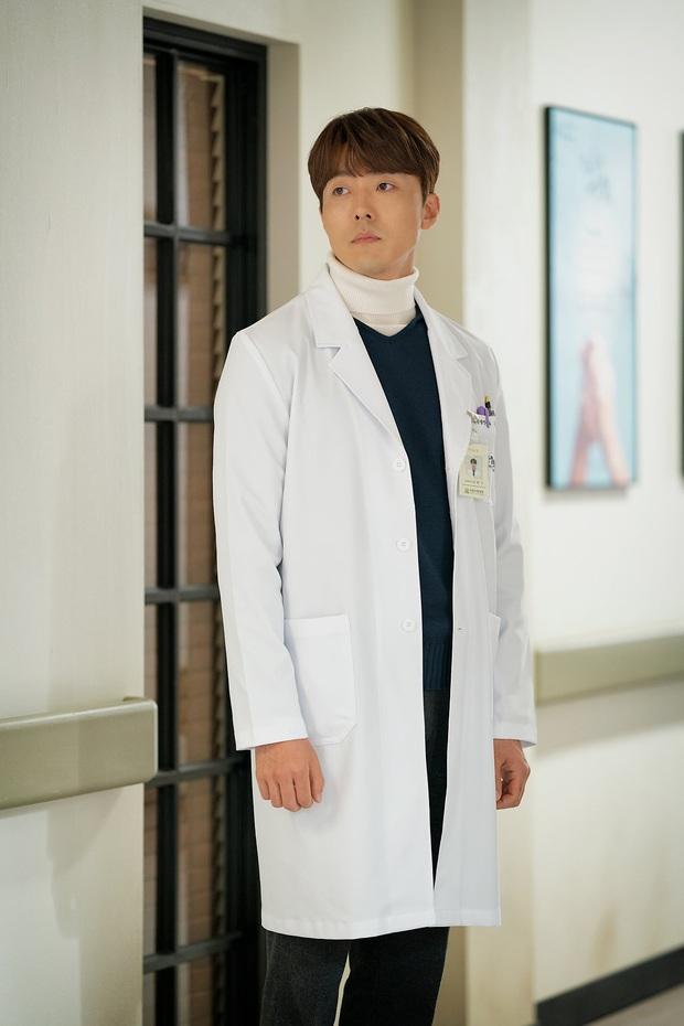 Bác sĩ soái ca phát biểu về cái kết Thế Giới Hôn Nhân: Nếu là Yoon Ki, tôi đã tỏ tình với Sun Woo rồi! - Ảnh 3.