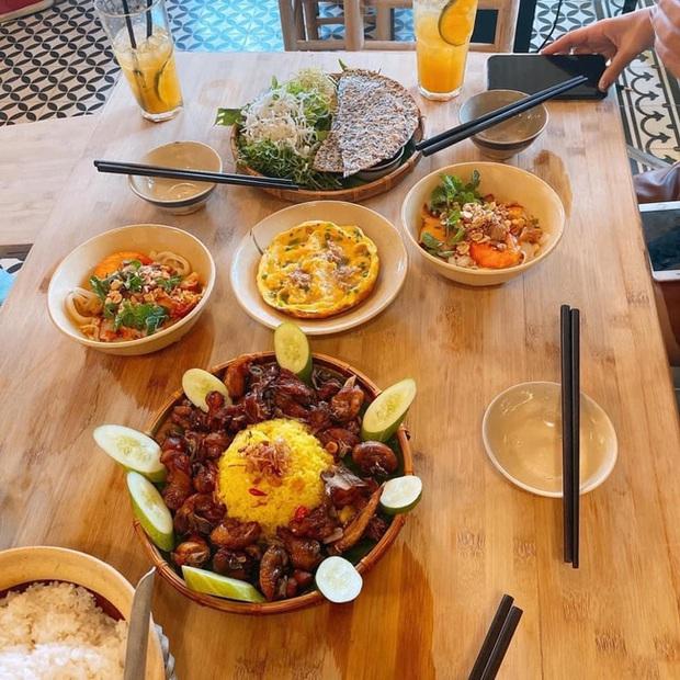 Cận cảnh chất lượng món ăn tại quán cơm mới khai trương của danh hài Trường Giang, khu sân thượng có thứ siêu đặc biệt mà ai cũng tò mò muốn ghé - Ảnh 10.