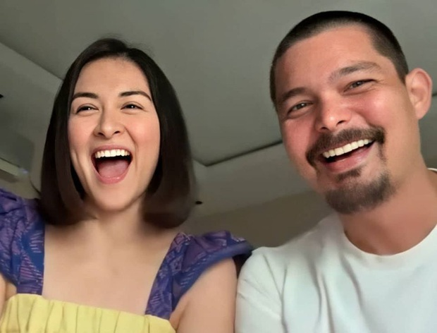 11 năm chung sống và đã có 2 con nhưng vợ chồng mỹ nhân đẹp nhất Philippines vẫn dành cho nhau những hành động tình tứ khiến người hâm mộ phát hờn - Ảnh 3.