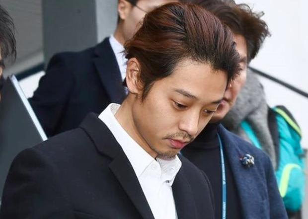 Hé lộ cuộc sống trong tù của Jung Joon Young: Bị hỏi thăm, tội phạm khác bắt làm một điều vì từng là ca sĩ - Ảnh 3.