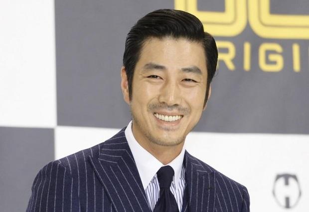 10 diễn viên Kbiz xuất thân trâm anh thế phiệt: Tài tử The Heirs giàu nứt khố đổ vách, Siwon là hậu duệ vua Hàn Quốc - Ảnh 9.