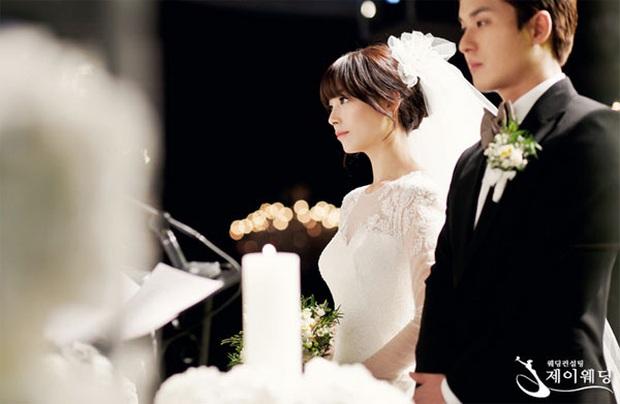 Chuyện idol Kpop bị tẩy chay vì công bố kết hôn: Kẻ nói dối trắng trợn, người tự tay hủy hoại nhóm, nhưng liệu họ có sai? - Ảnh 4.