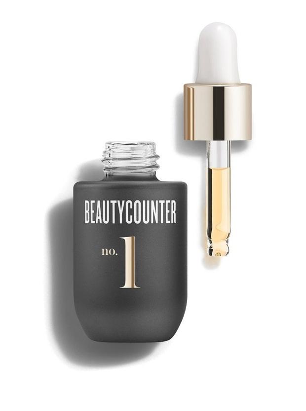 9 món skincare thần thánh BTV Vogue không thể sống thiếu: Xà phòng rửa mặt 70k, nước tẩy da chết làm da đẹp hơn cả đi spa - Ảnh 7.