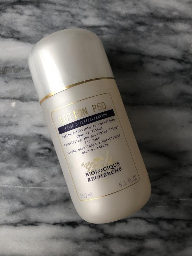 9 món skincare thần thánh BTV Vogue không thể sống thiếu: Xà phòng rửa mặt 70k, nước tẩy da chết làm da đẹp hơn cả đi spa - Ảnh 8.