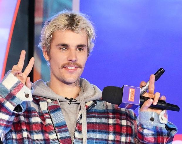 Taylor Swift, Ariana Grande đồng loạt bị mất hàng trăm nghìn follower trên Spotify, nhưng Drake mới là số nhọ nhất! - Ảnh 6.