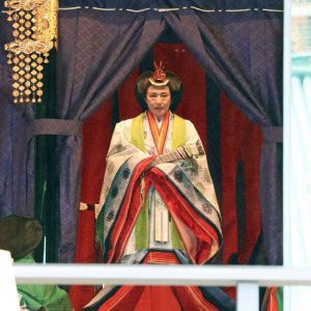 Điều ít biết về bộ trang phục 12 lớp, nặng 20kg đỉnh cao vẻ đẹp trang phục truyền thống Nhật Bản, Hoàng hậu Masako cũng từng mặc ngày đăng quang - Ảnh 2.