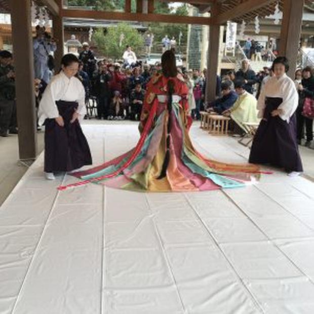 Điều ít biết về bộ trang phục 12 lớp, nặng 20kg đỉnh cao vẻ đẹp trang phục truyền thống Nhật Bản, Hoàng hậu Masako cũng từng mặc ngày đăng quang - Ảnh 13.